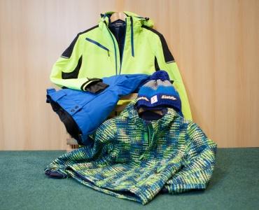 Ski-Bekleidung und Accessoires-