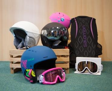 Helme, Brillen und Protektoren-